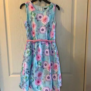 NWT stunning floral dress
